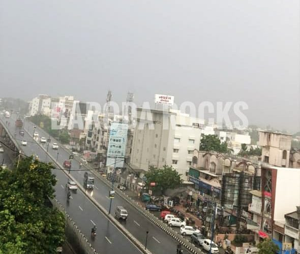 #monsoon2020 in #Vadodara #baroda #RainingInVadodara  P.c : Shaili Sharvaiya